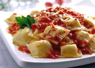 Resultado de imagen para ravioles con salsa bolognesa