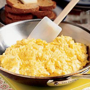 Huevos revueltos - Recetas de cocina paso a paso - La ...